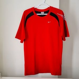 Red sport t-shirt size M for Men